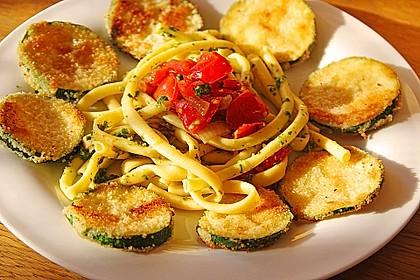 Zucchini – Piccata auf Tomatenkompott mit Rucolapesto und Nudeln