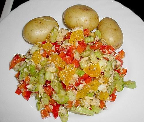 salat vom forellenfilet mit orangen und staudensellerie rezept mit bild. Black Bedroom Furniture Sets. Home Design Ideas