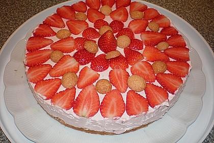 Erdbeer - Amarettini - Torte 3