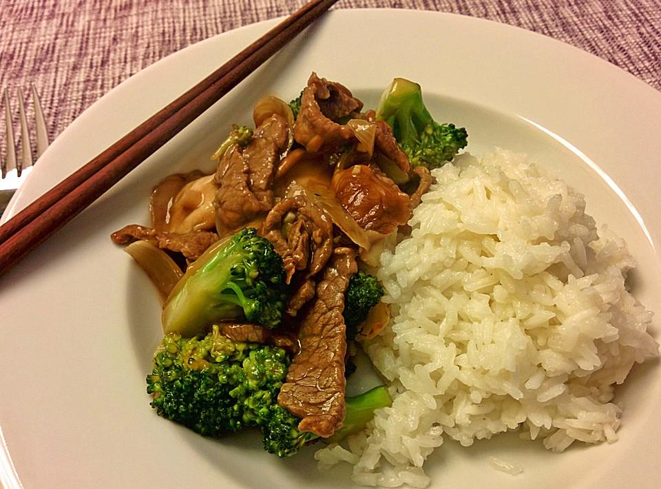 asiatische rindfleisch brokkoli pfanne rezept mit bild. Black Bedroom Furniture Sets. Home Design Ideas