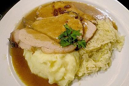 Krustenbraten vom Schwein mit Kartoffelpüree und Karamellsauerkraut 7