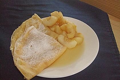 Crêpes mit heißen Birnen 7