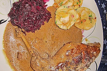 Kaninchen in Rotwein - Creme fraiche Sauce