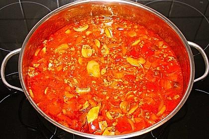 Gemüsetopf mit Paprika, Hackfleisch, Zucchini und Pilzen 13
