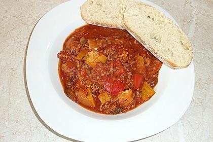 Gemüsetopf mit Paprika, Hackfleisch, Zucchini und Pilzen 9