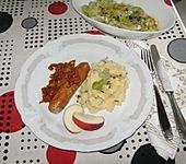 Bratwurst mit Zwiebel - Curry - Soße