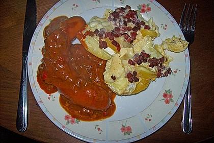 Bratwurst mit Zwiebel - Curry - Soße 9