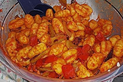 Gnocchi-Salat mit Zucchini und Paprika 52