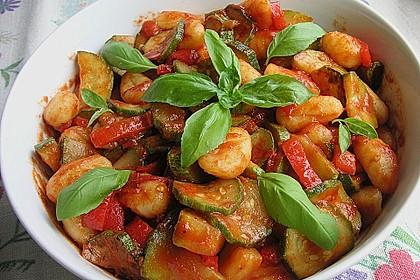 Gnocchi-Salat mit Zucchini und Paprika 1