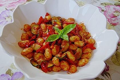 Gnocchi-Salat mit Zucchini und Paprika 14