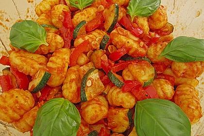 Gnocchi-Salat mit Zucchini und Paprika 19