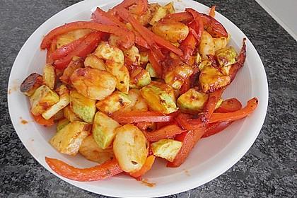 Gnocchi-Salat mit Zucchini und Paprika 56