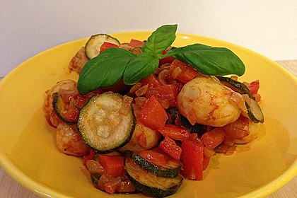 Gnocchi-Salat mit Zucchini und Paprika 38