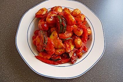 Gnocchi-Salat mit Zucchini und Paprika 27