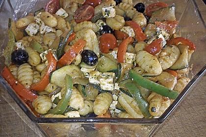 Gnocchi-Salat mit Zucchini und Paprika 50