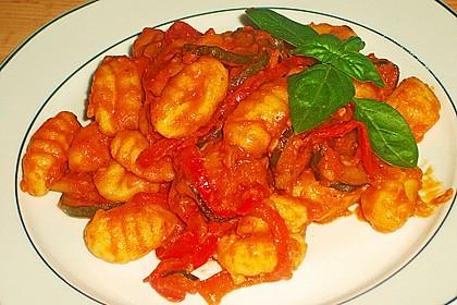 Gnocchi-Salat mit Zucchini und Paprika 41