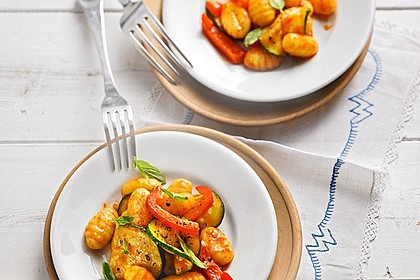 Gnocchi-Salat mit Zucchini und Paprika 6