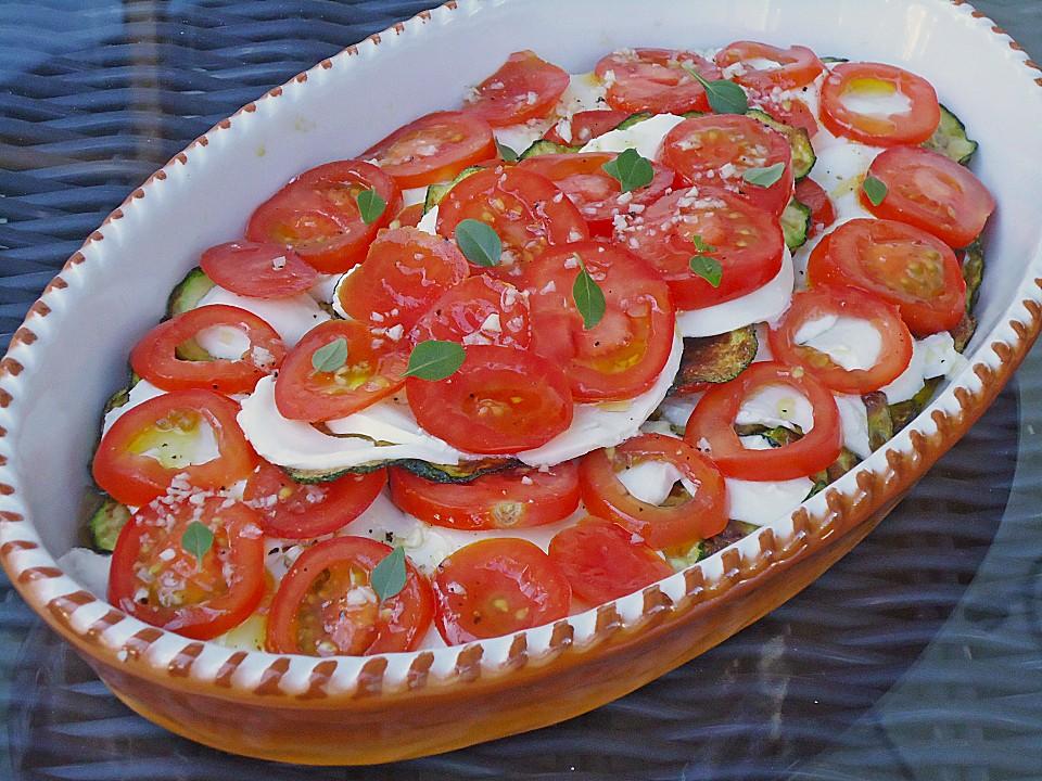 tomaten zucchini salat mit mozzarella von yemaja18. Black Bedroom Furniture Sets. Home Design Ideas