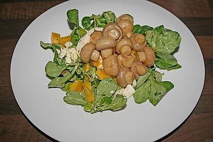 Salat mit Honigchampignons 43