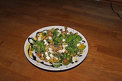 Salat mit Honigchampignons 56