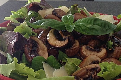Salat mit Honigchampignons 15