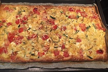 Blätterteig mit Tomate, Zucchini und Feta 11