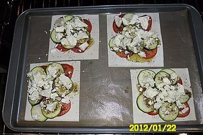 Blätterteig mit Tomate, Zucchini und Feta 35