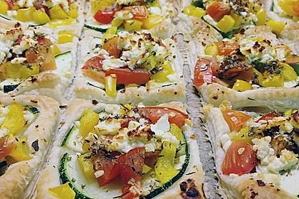 Blätterteig mit Tomate, Zucchini und Feta 18