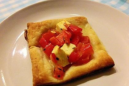 Blätterteig mit Tomate, Zucchini und Feta 26