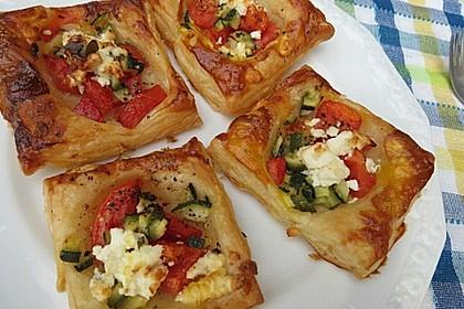 Blätterteig mit Tomate, Zucchini und Feta 3