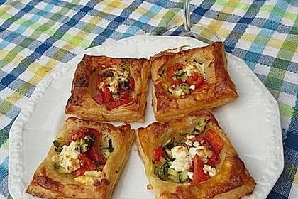 Blätterteig mit Tomate, Zucchini und Feta 14