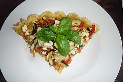Blätterteig mit Tomate, Zucchini und Feta 25