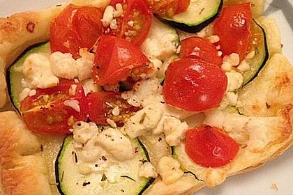 Blätterteig mit Tomate, Zucchini und Feta 13