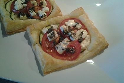 Blätterteig mit Tomate, Zucchini und Feta 31