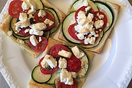 Blätterteig mit Tomate, Zucchini und Feta 19