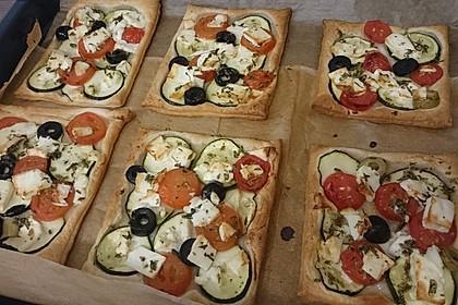 Blätterteig mit Tomate, Zucchini und Feta 6