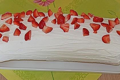 Erdbeer - Biskuit - Rolle 2