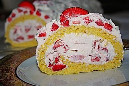 Erdbeer - Biskuit - Rolle 3