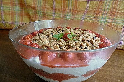 Erdbeer - Trifle 8