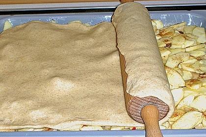 Apfelkuchen gedeckt 30