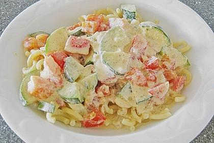 Tagliatelle mit Frischkäse - Zucchini - Sauce 6