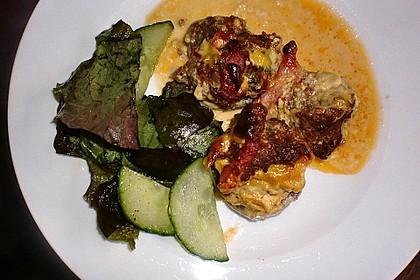 Gefüllte Champignons mit Schafskäse - Hackfleisch an Käsesauce 13