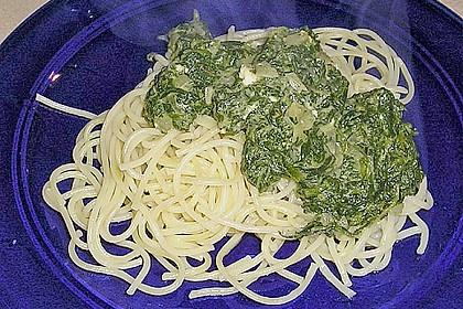 Spaghetti mit Spinat und Schafskäse 6