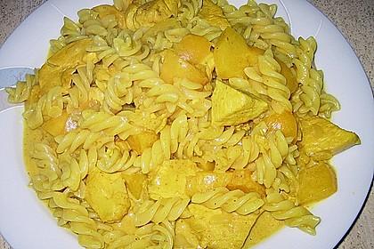 Hühnchen in Pfirsich - Curry - Rahmnudeln 9