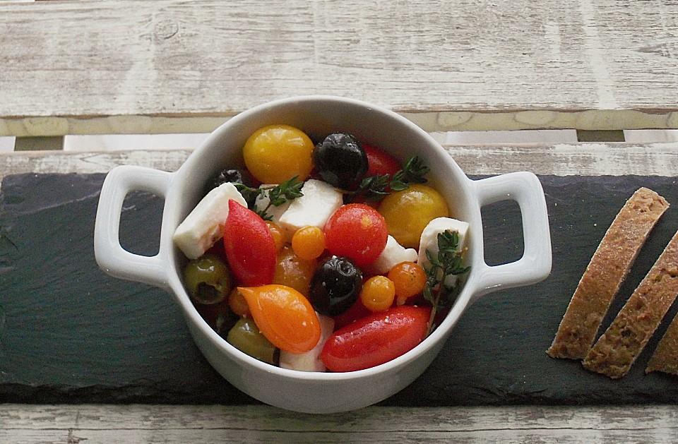 eingelegte tomaten mit oliven und schafsk se. Black Bedroom Furniture Sets. Home Design Ideas