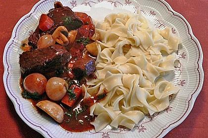 Rindfleisch in Rotwein mit Gemüse 2