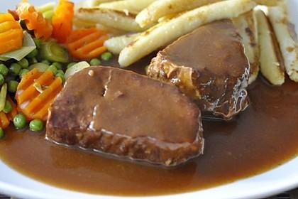 Rindfleisch in Rotwein mit Gemüse