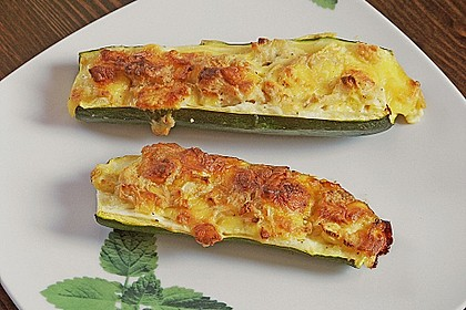 Überbackene Zucchini mit Schafskäse 6