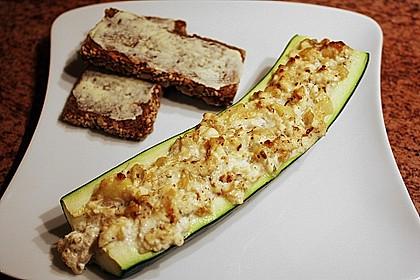 Überbackene Zucchini mit Schafskäse 5