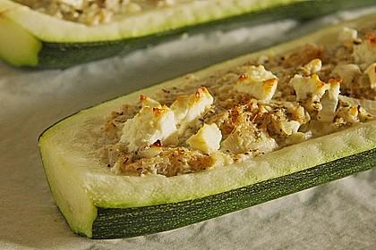 Überbackene Zucchini mit Schafskäse 7